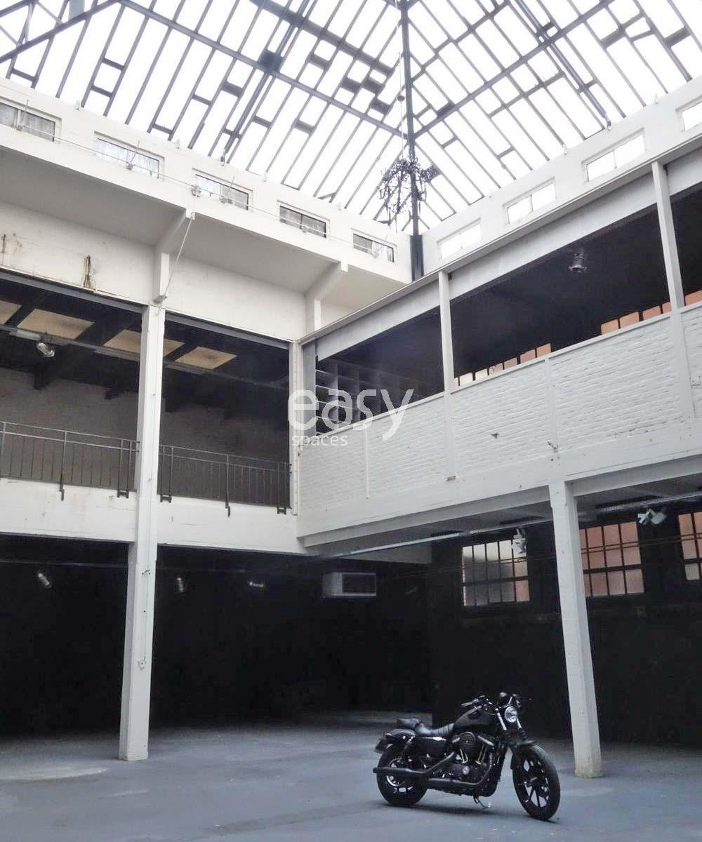 hangar pour un lancement de produit shooting tournage lille lieux lieu louer pour tournage. Black Bedroom Furniture Sets. Home Design Ideas