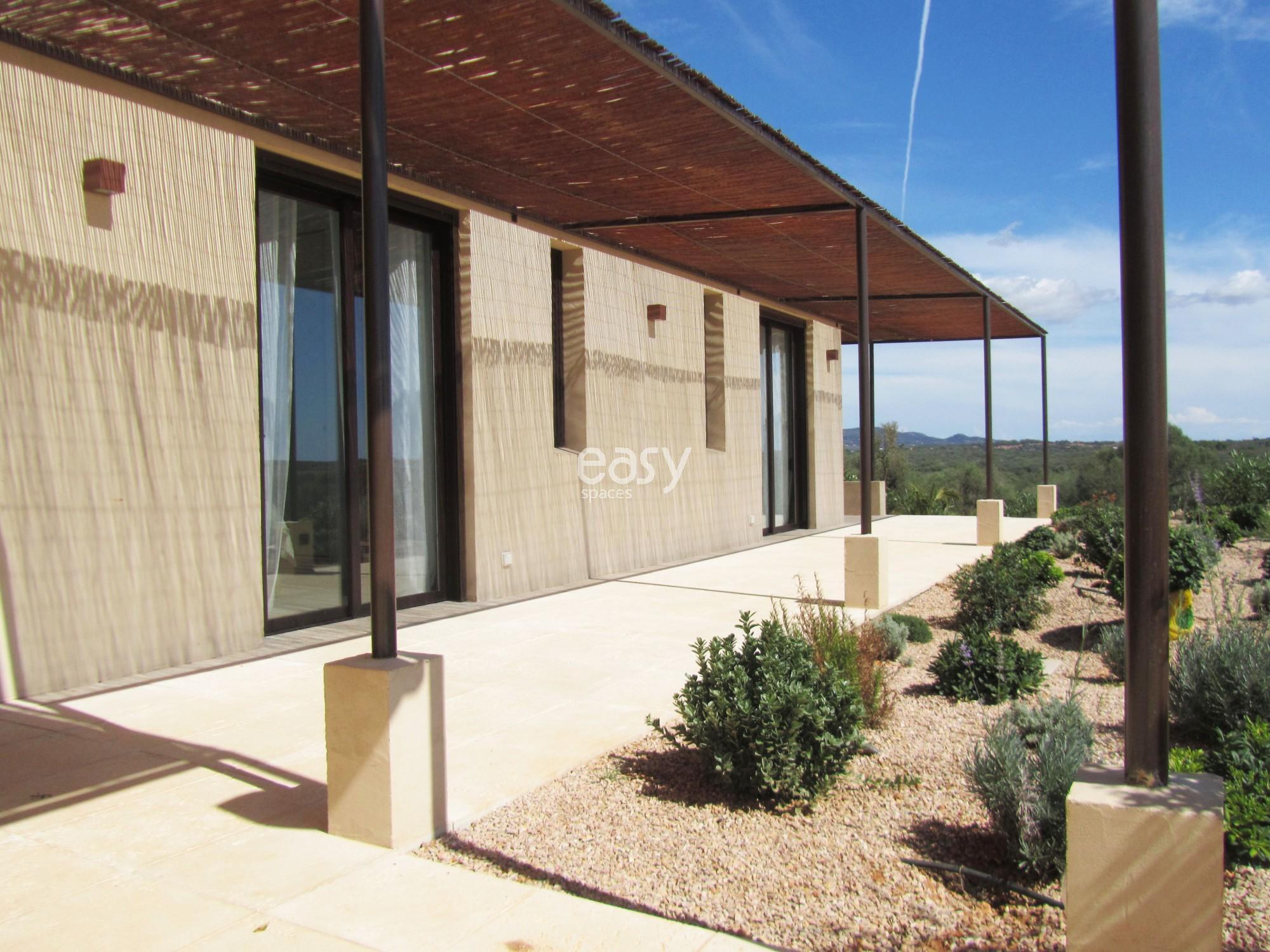 Villa moderne avec piscine pour prises de vues tournages et v nements professionnel majorque for Villa avec piscine a louer dans le sud
