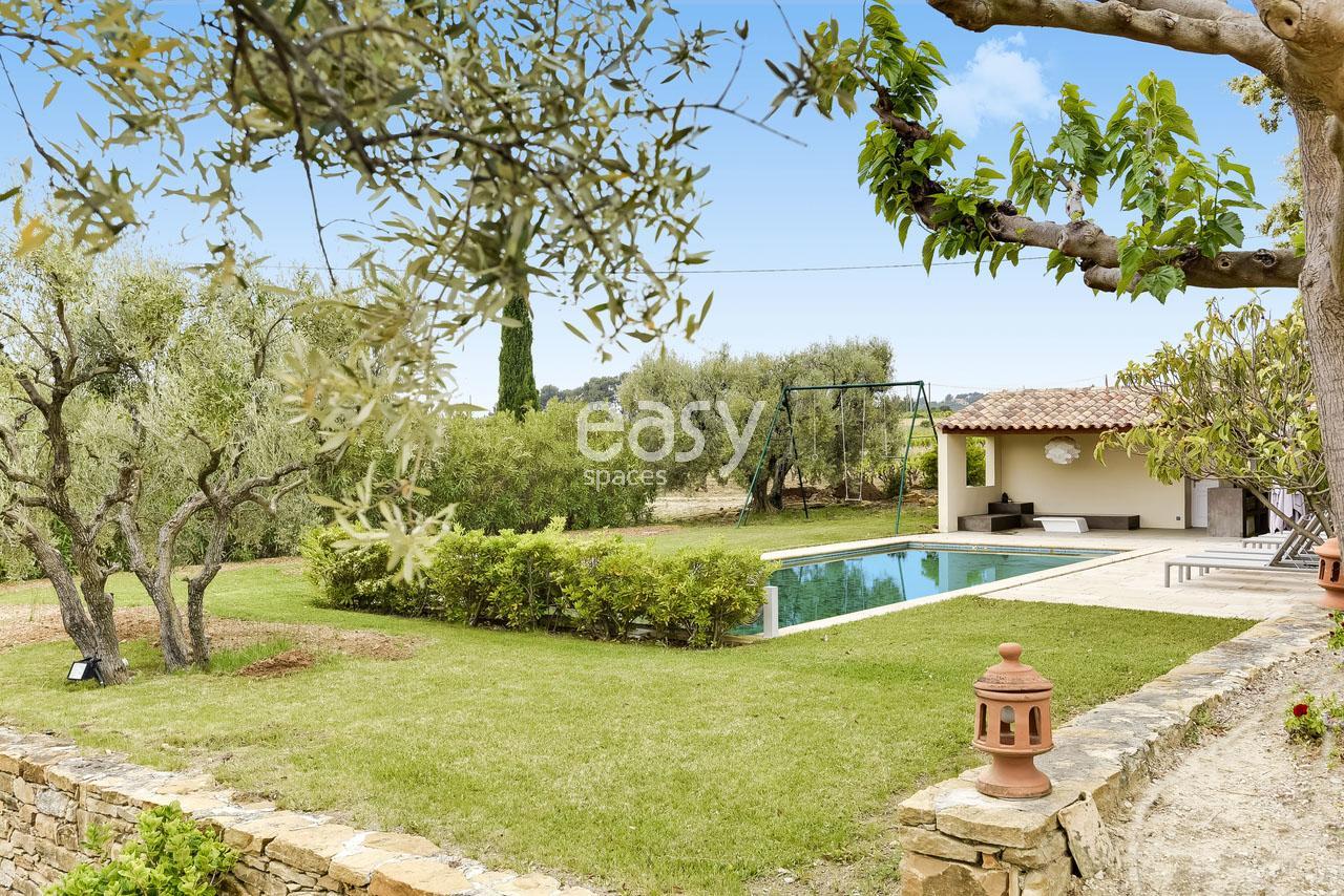 Louer sa maison pour tournage louer une villa moderne pour v nements photos et louer une - Louer sa maison pour un tournage ...