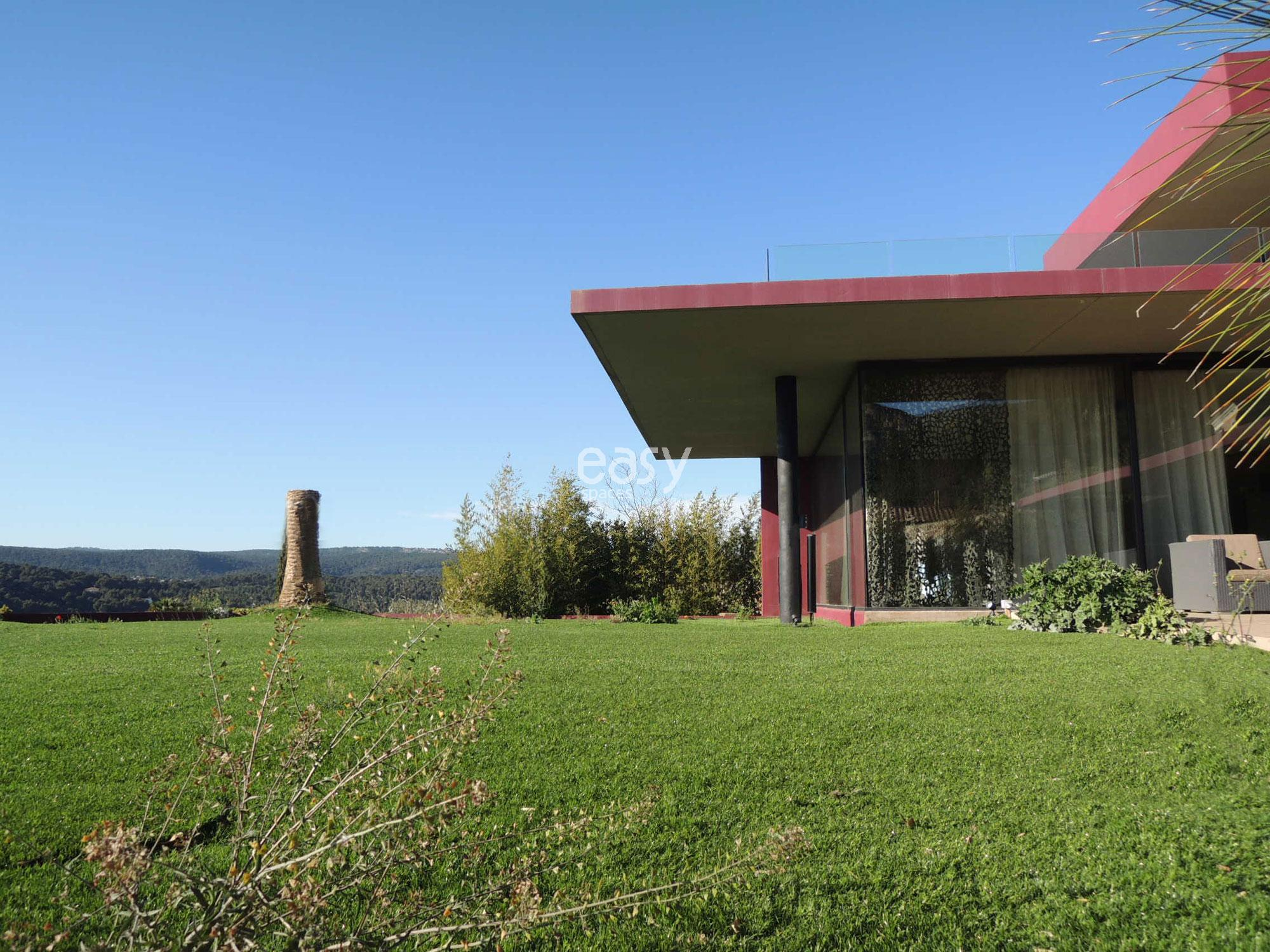 louer sa maison pour tournage louer une villa moderne. Black Bedroom Furniture Sets. Home Design Ideas