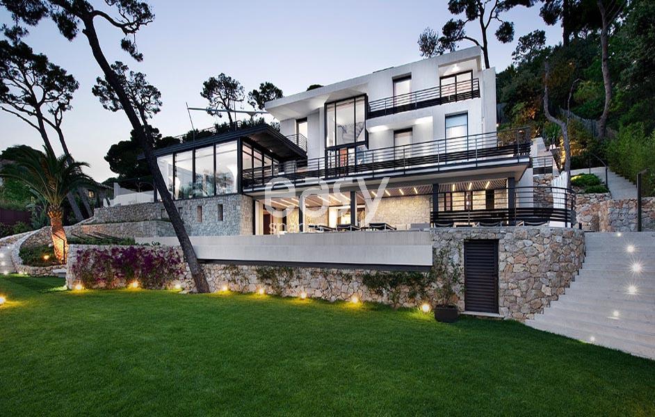 Maison ultra moderne plan maison ultra moderne maison for Villa ultra moderne