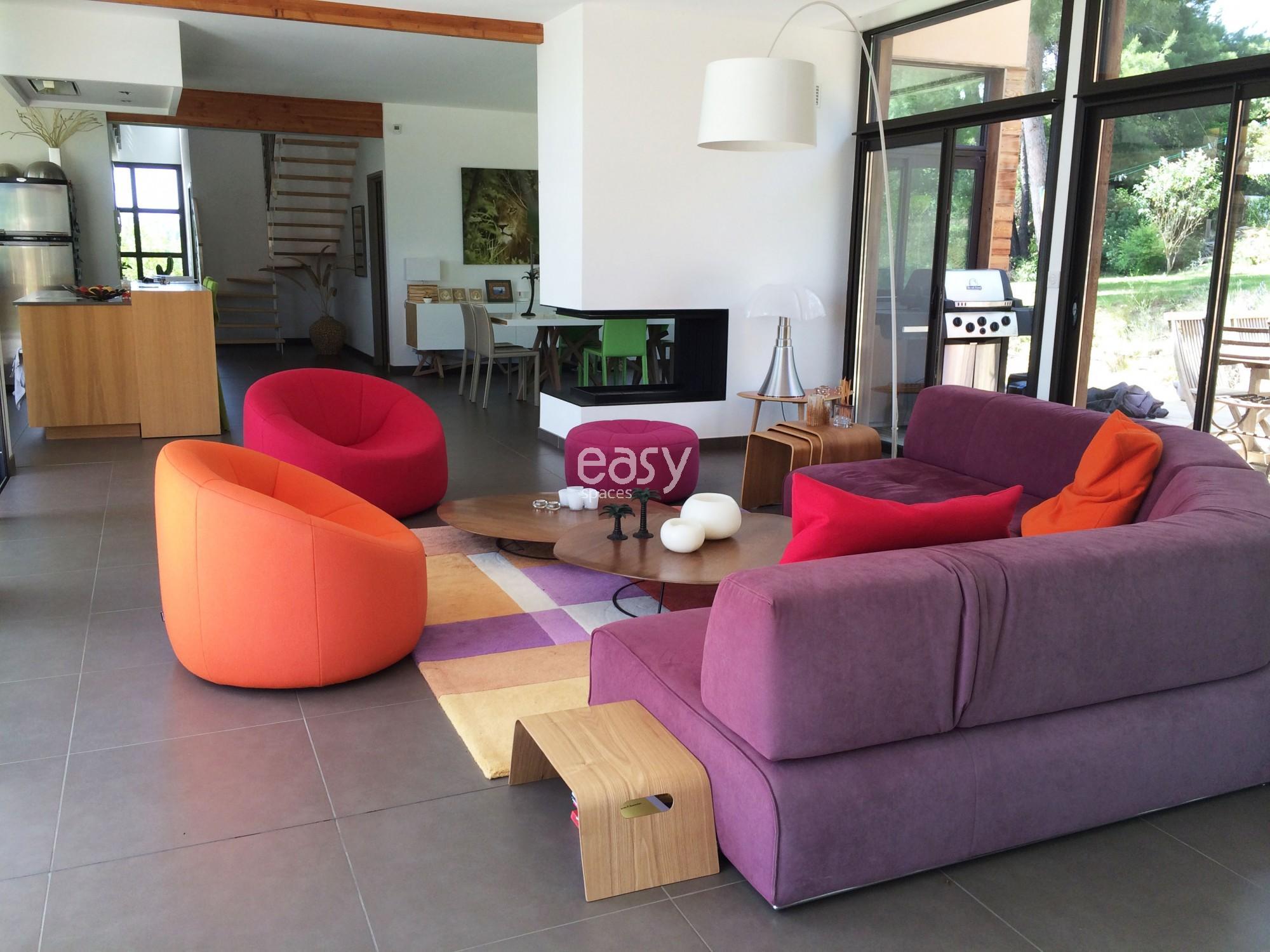maison pour tournage affordable cliquez pour agrandir with maison pour tournage interesting. Black Bedroom Furniture Sets. Home Design Ideas