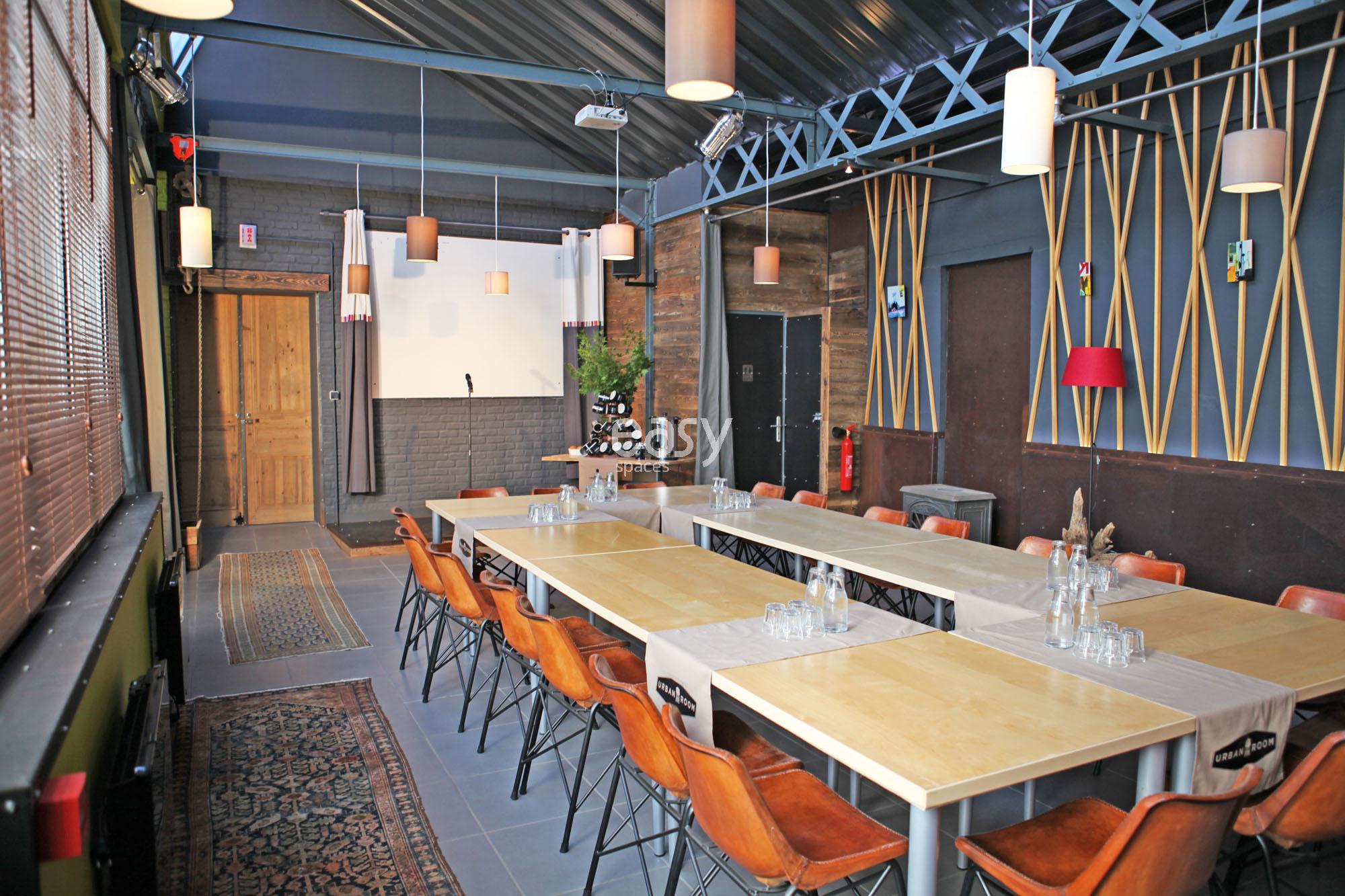 espace lyon mobilier de bureau bureau oprationnel faade espace pro lyon espace foot espace. Black Bedroom Furniture Sets. Home Design Ideas