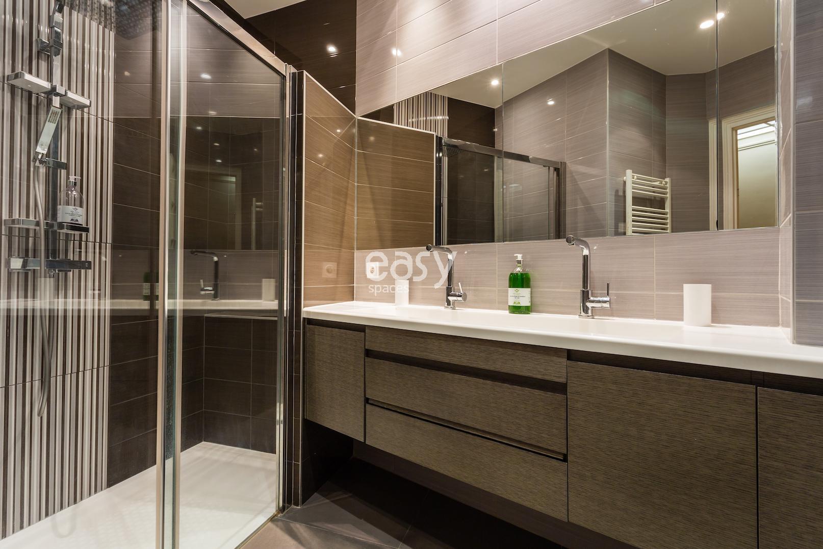 appartement haussmanien louer pour tournage paris centre lieux lieu louer pour tournage dans. Black Bedroom Furniture Sets. Home Design Ideas