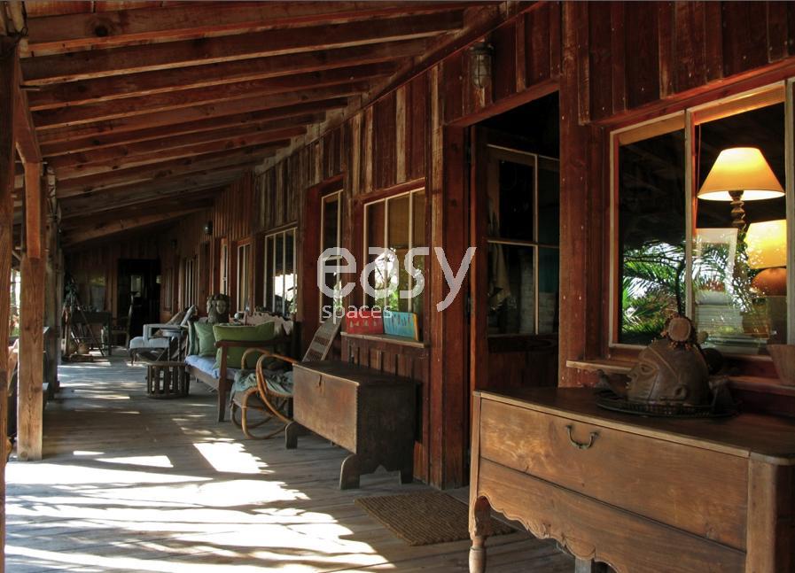 Louer une maison en bois pour prises de vues et tournages for Annonce pour louer une maison