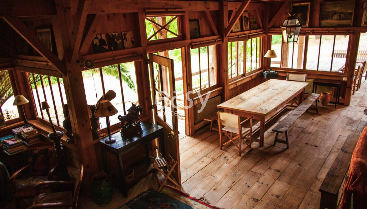 Louer une maison en bois pour prises de vues et tournages for Maison bois ouest