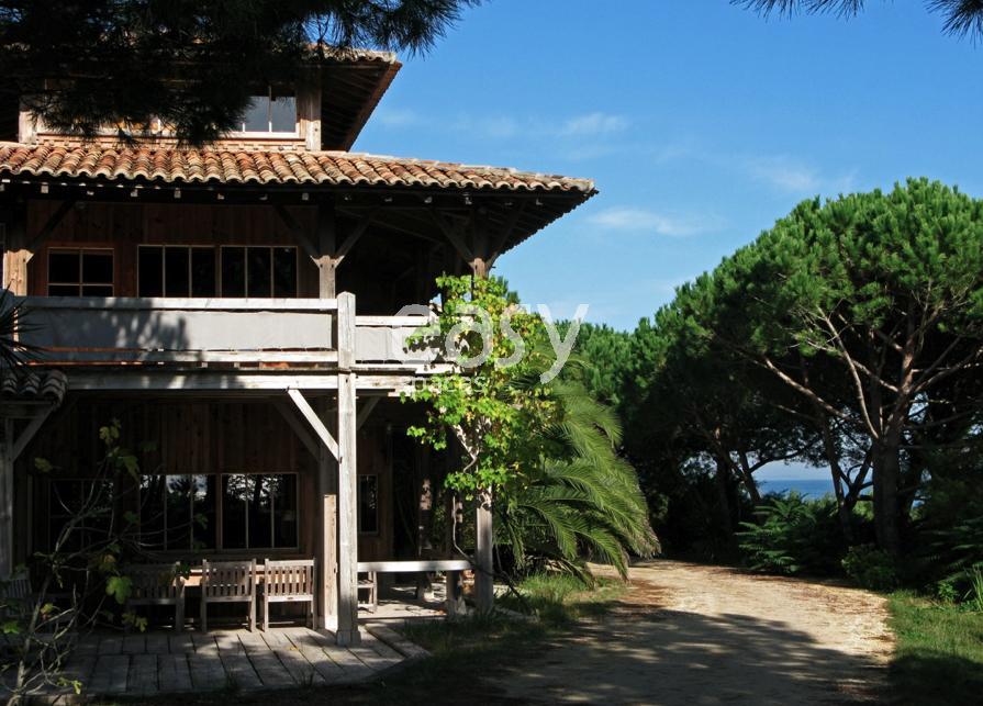 Louer une maison en bois pour prises de vues et tournages for Maison a louer cap ferret avec piscine