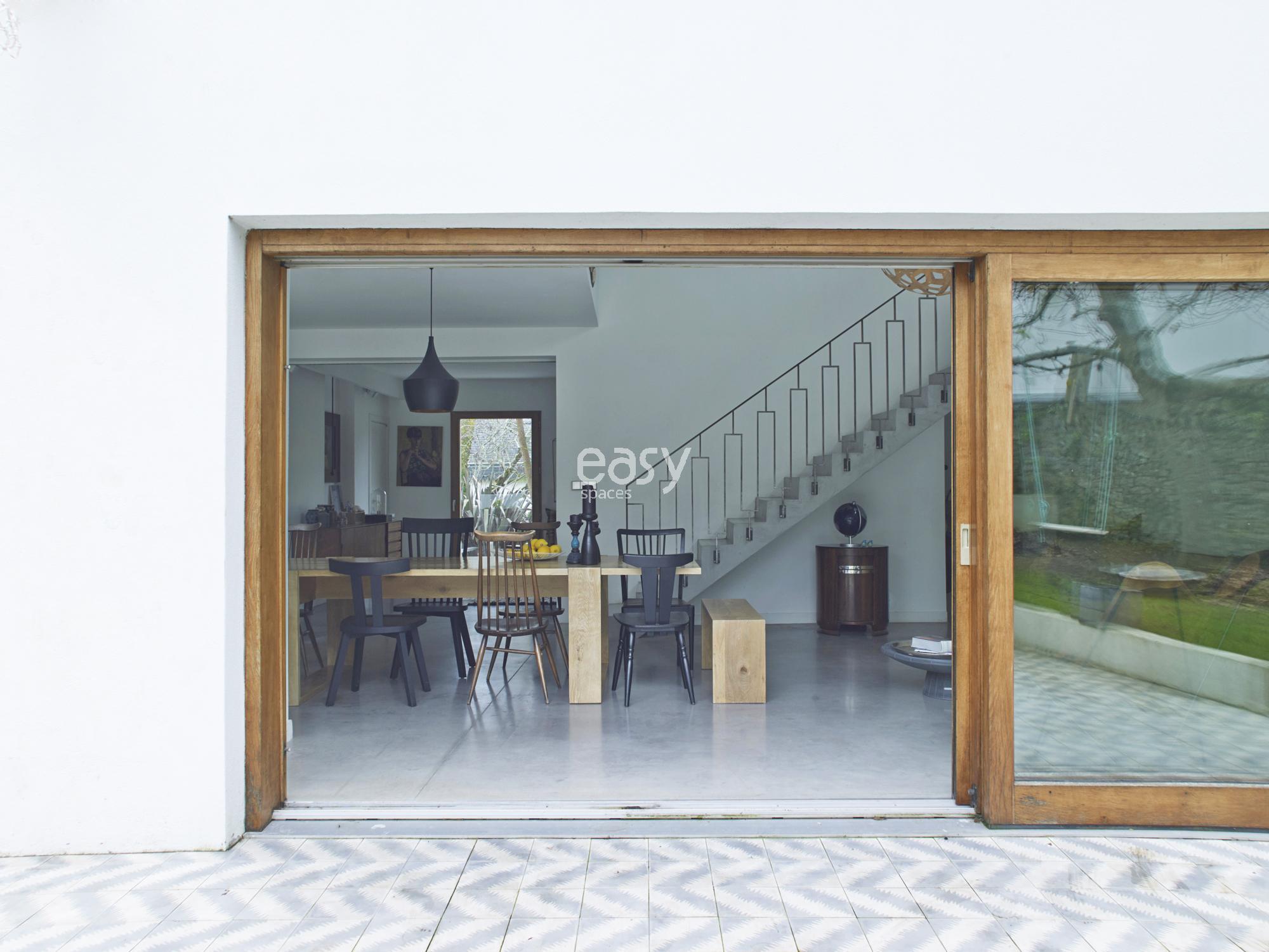 Louer une maison moderne pour photos et tournages en for Devis agrandissement maison 60m2