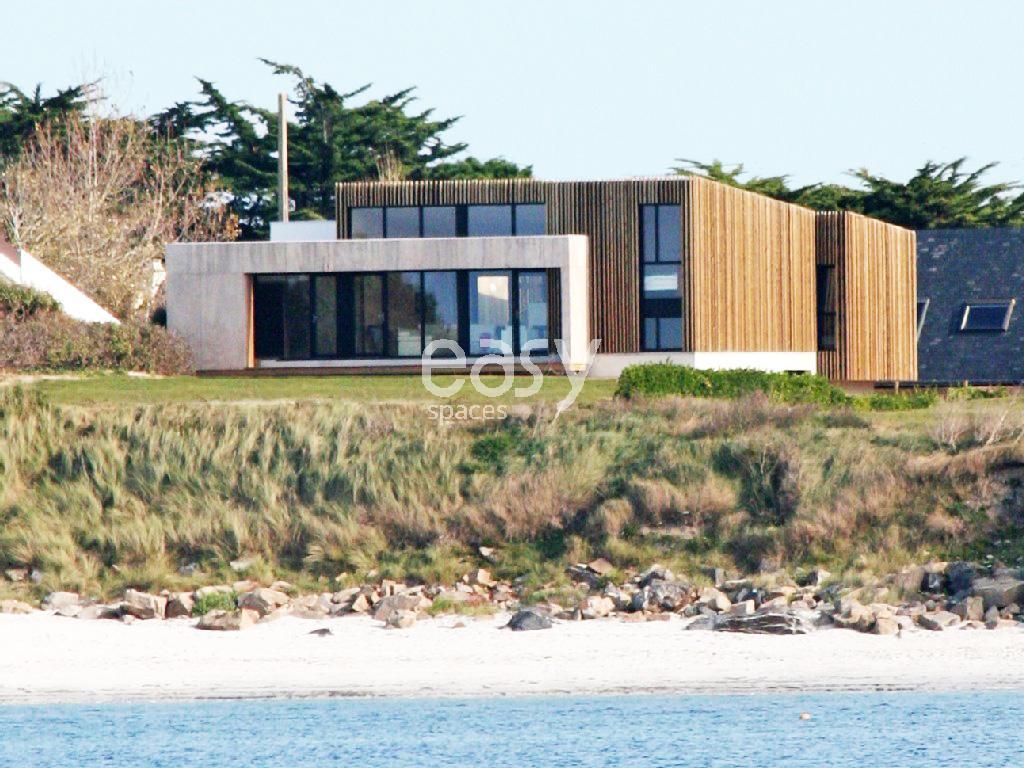 Maison contemporaine bord de mer louer pour photos et tournages en bretagne lieux lieu louer for Site de villa a louer