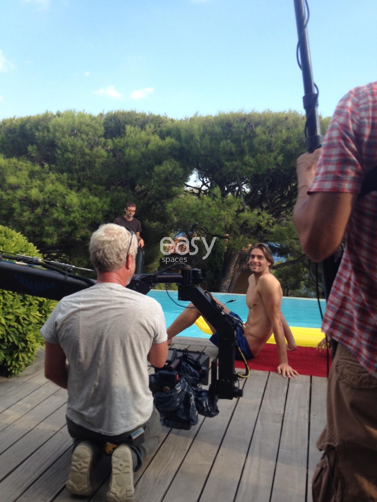 tournage à Cassis avec le nageur Camille Lacours