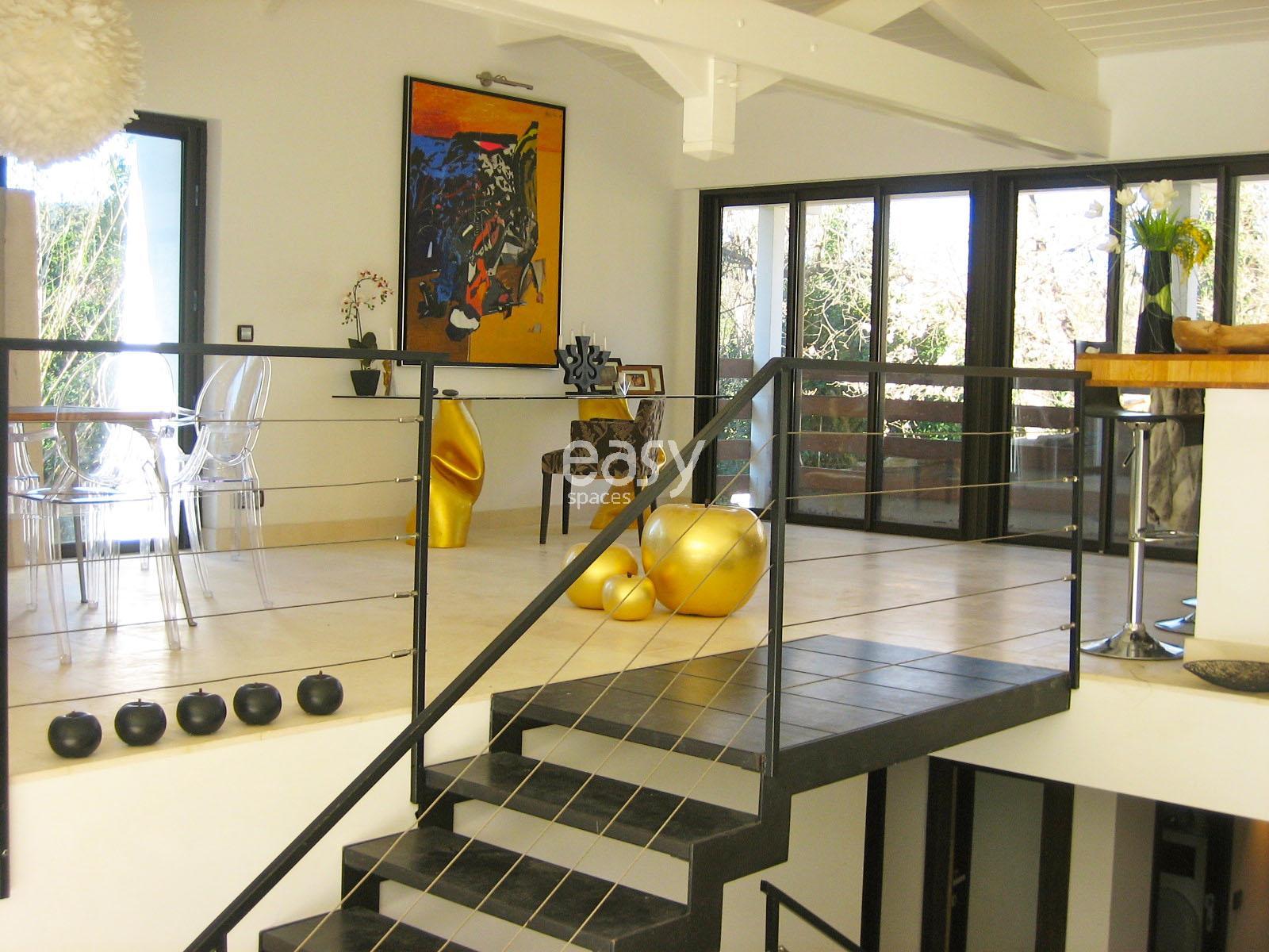comment louer une maison awesome location maison with comment louer une maison perfect. Black Bedroom Furniture Sets. Home Design Ideas