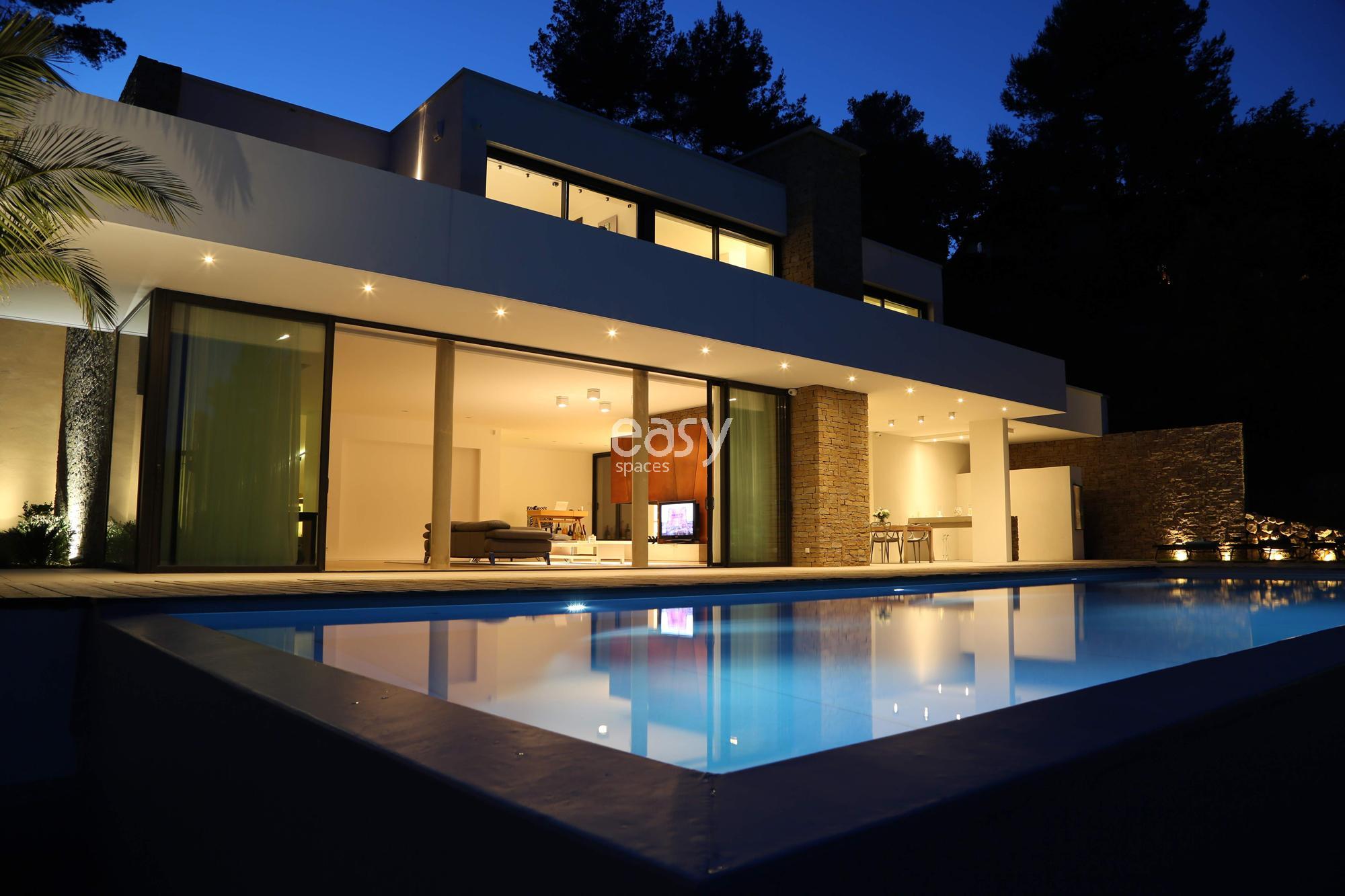 maison pour tournage ventana blog. Black Bedroom Furniture Sets. Home Design Ideas