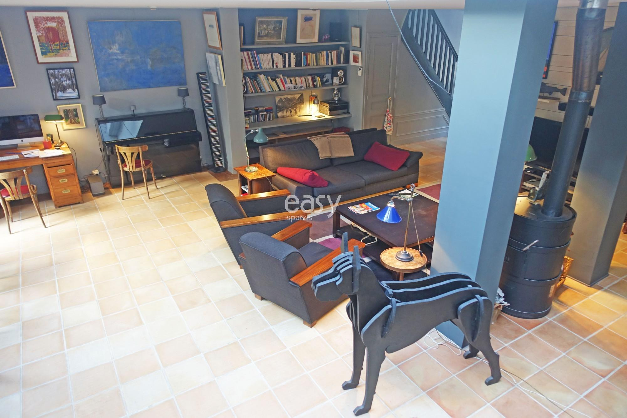Maison proche paris elegant maison moderne atypique for Garage gentilly villejuif
