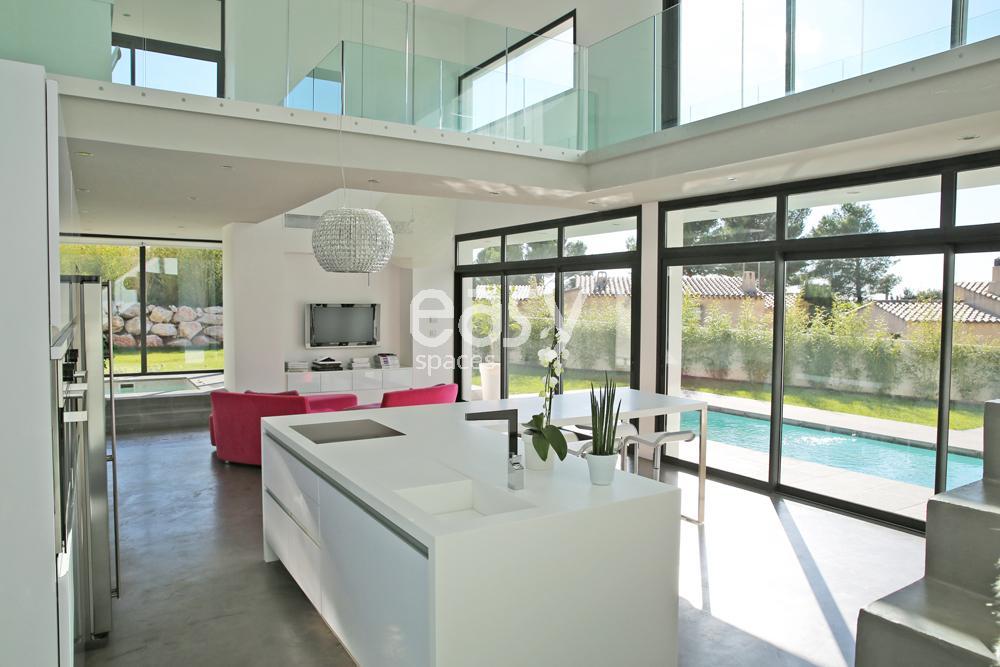 Louer une maison contemporaine pour production photos tournages et v nements pro marseille - Amenagement piscine contemporaine marseille ...