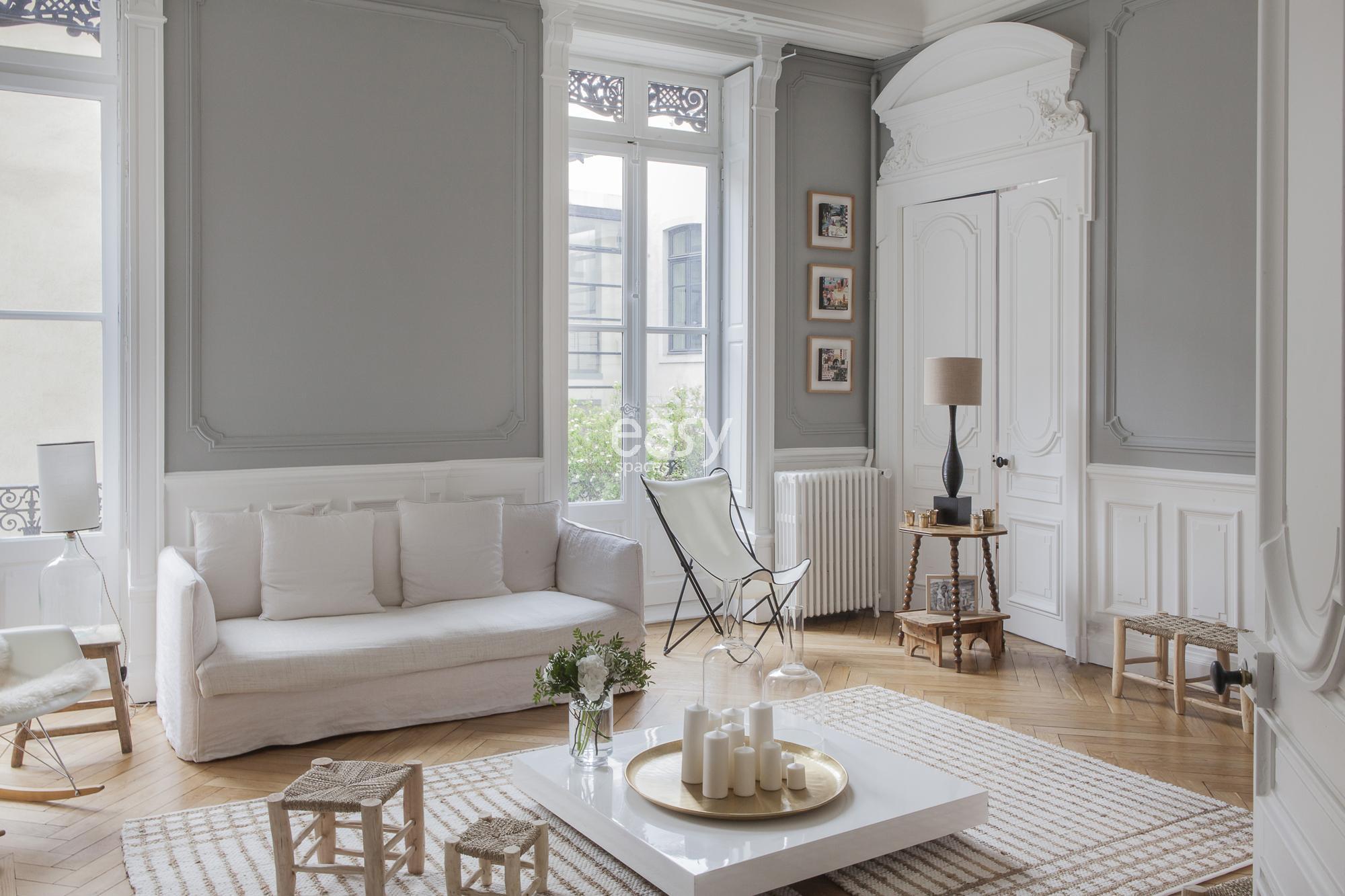 Bien-aimée Appartement haussmanien pour shooting tournage Lyon Lieux Lieu à @YH_63