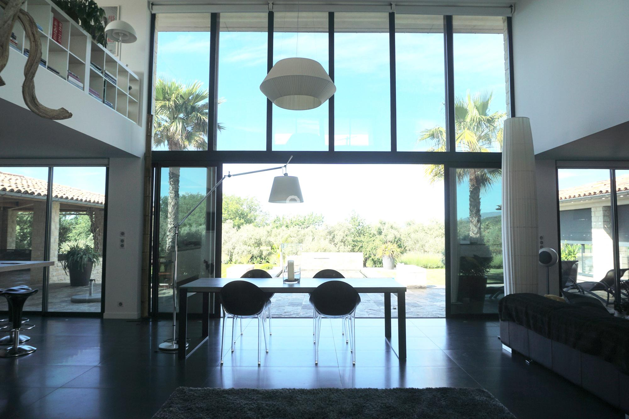 louer une maison contemporaine pour photo et tournage nice lieux lieu louer pour tournage dans. Black Bedroom Furniture Sets. Home Design Ideas