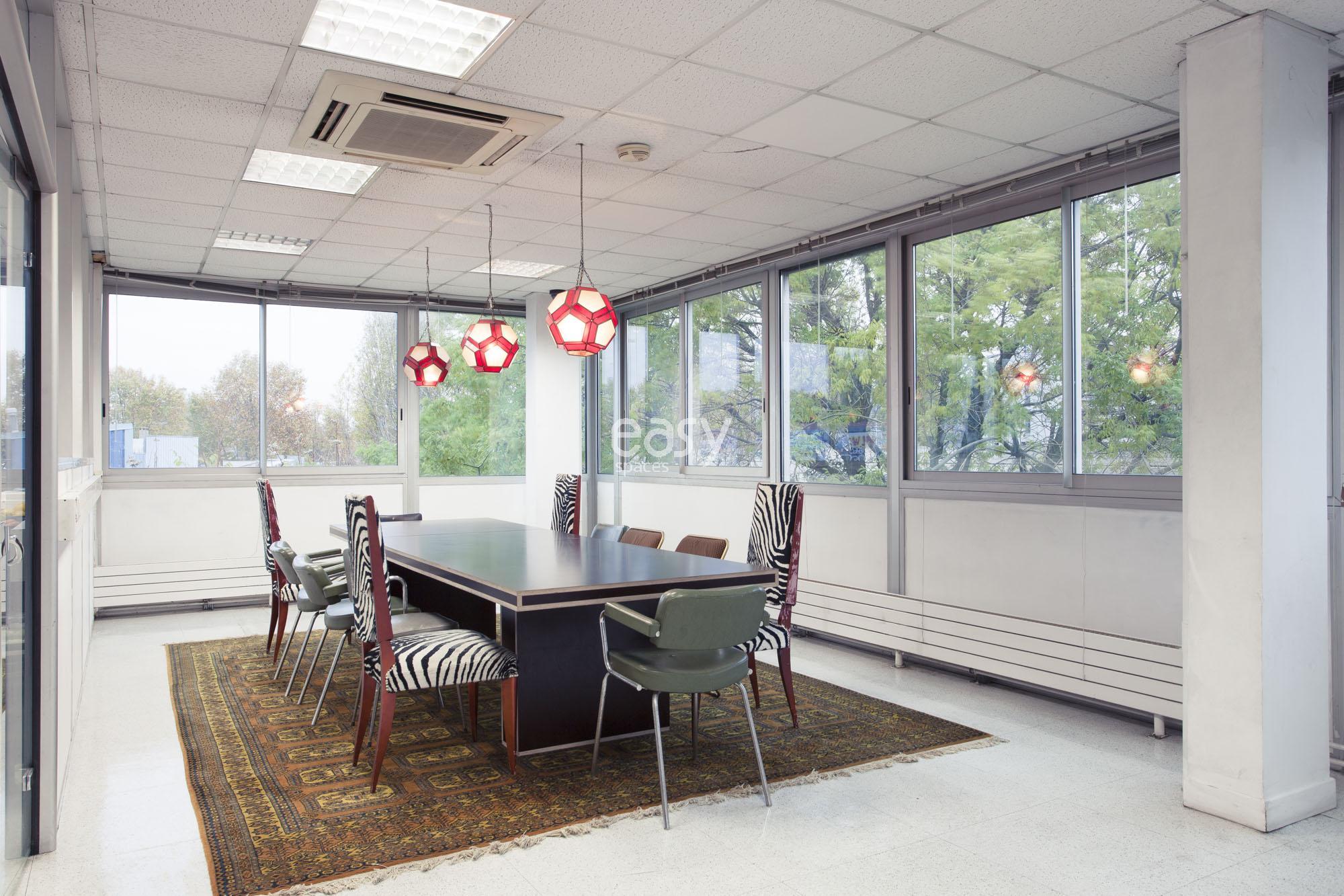 Hauteur Sous Plafond 2M40 espace atypique pour photos tournages paris lieux lieu à