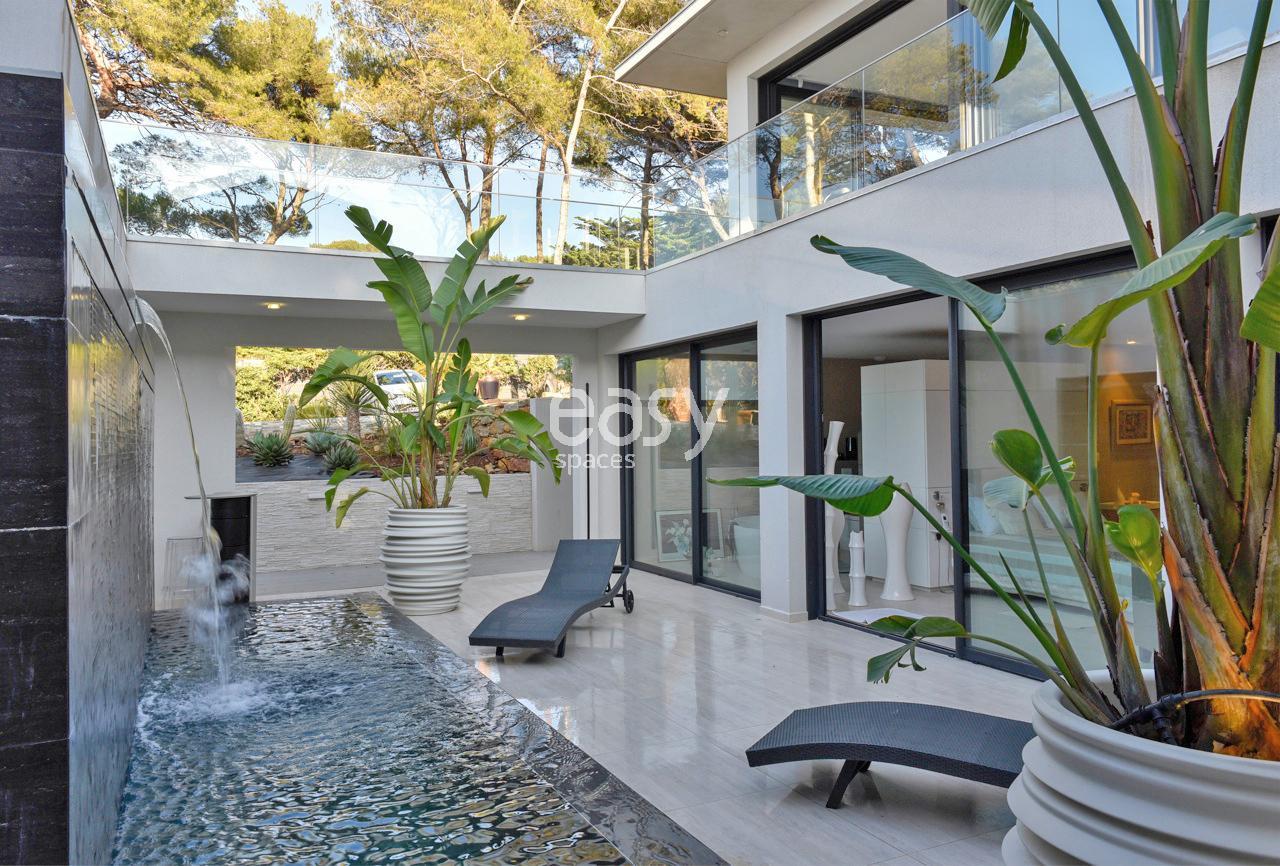 architecte maison contemporaine toulon conception de la maison minimaliste. Black Bedroom Furniture Sets. Home Design Ideas
