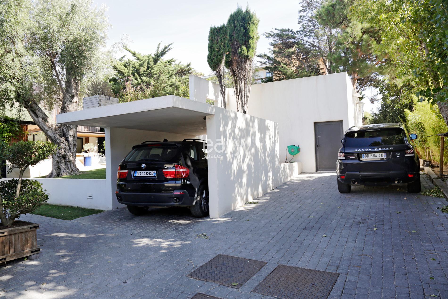 Location maison contemporaine tournage et photo marseille for Cherche a louer garage