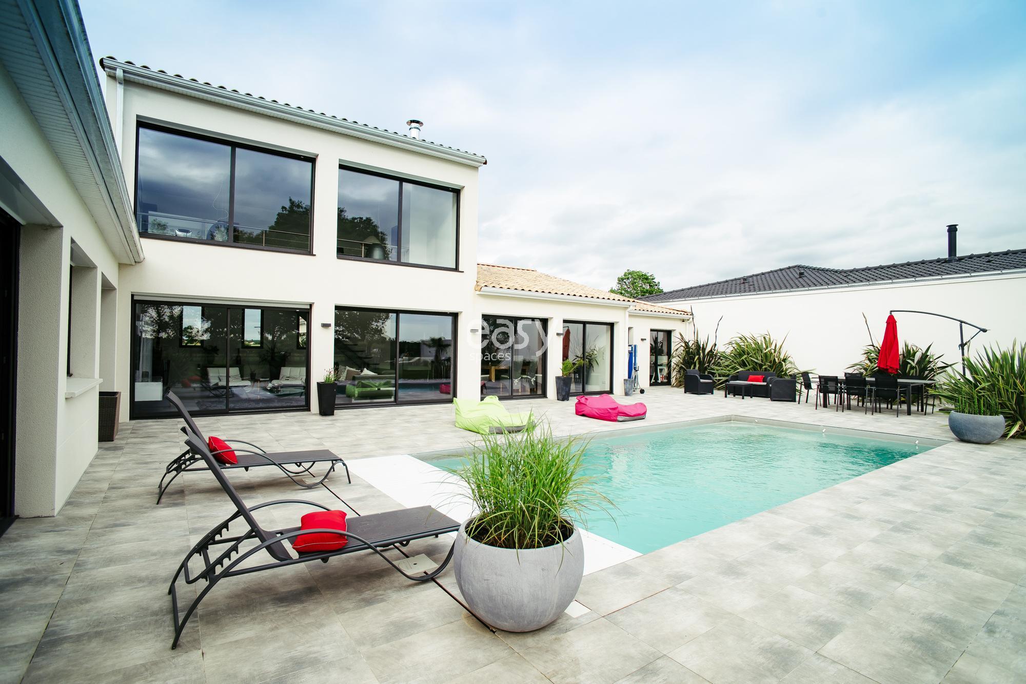 Maison contemporaine 200m2 maison moderne for Maison contemporaine 200m2