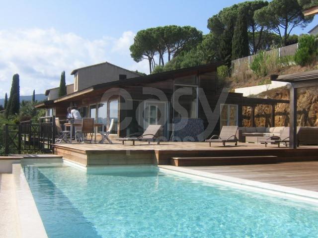 Location maison en bois vue mer avec piscine pour tournages photos saint trop - Louer sa maison pour tournage ...