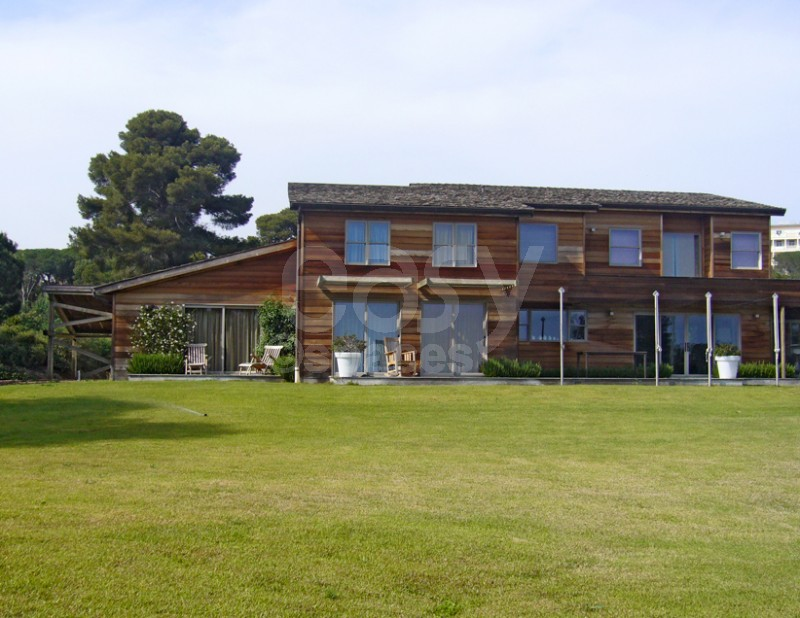 Location maison en bois pour production photo tournages Saint Tropez Lieux Li