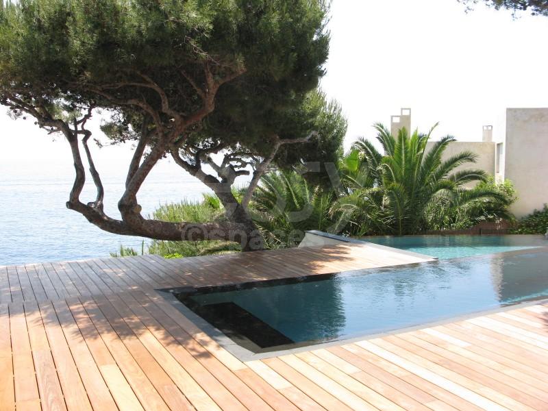 location villa pied dans l 39 eau avec piscine pour tournages