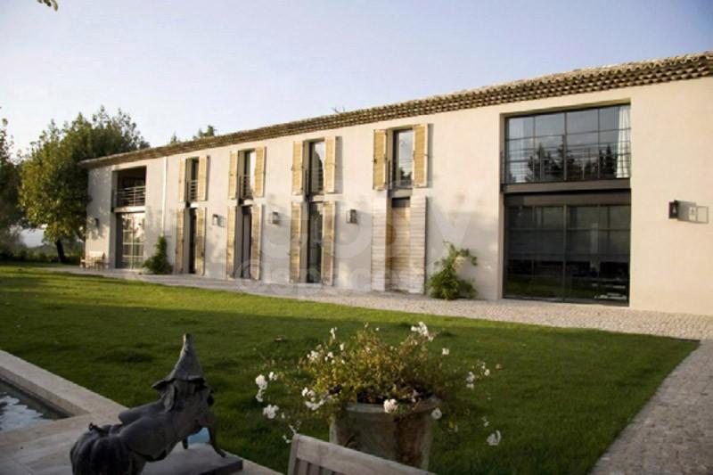 Location maison moderne en pleine campagne aixoise pour for Exterieur maison campagne