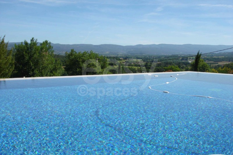 Camping luberon avec piscine camping luberon bergerie for Camping avranches avec piscine