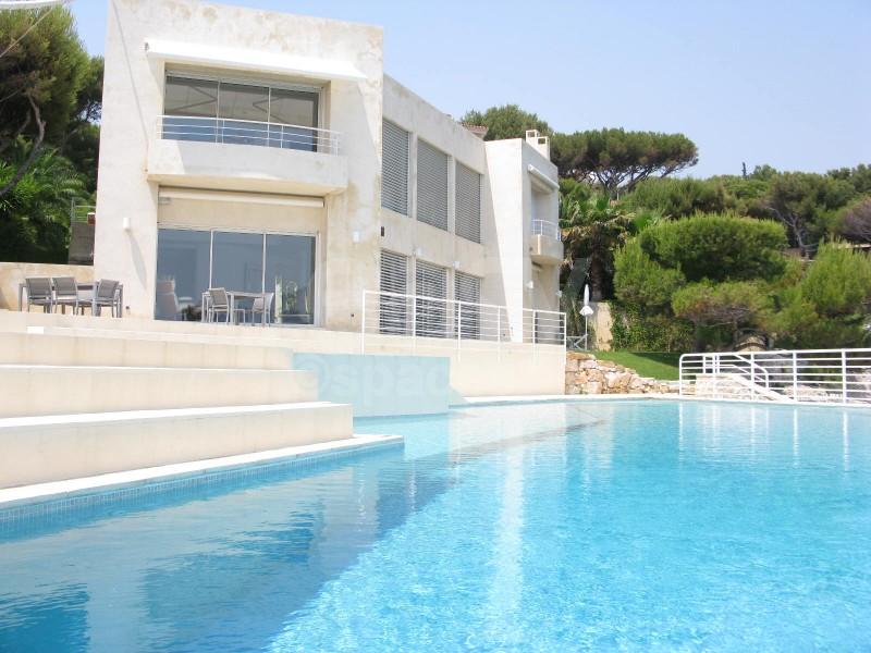 Location villa pour production photo ou tournage marseille for Jardin 400m2 piscine
