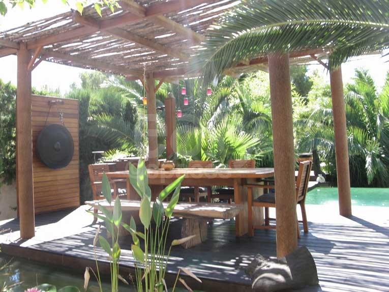 Pergola moderne jardin piscine
