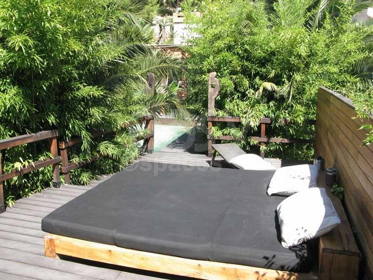 Location maison en bois avec piscine jardin exotique pour for Piscine et jardin 72