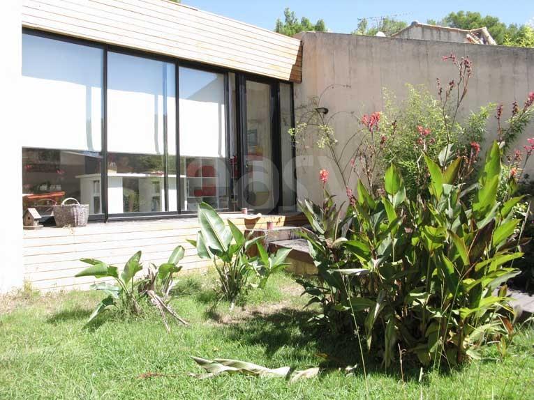 location maison en bois avec piscine jardin exotique pour photos tournages Ma