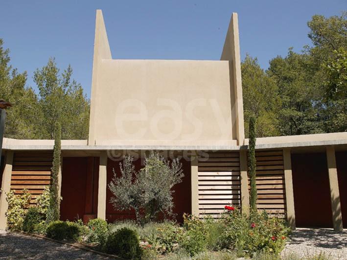 Location maison en bois avec piscine pour tournages photos for Location maison dans le sud avec piscine