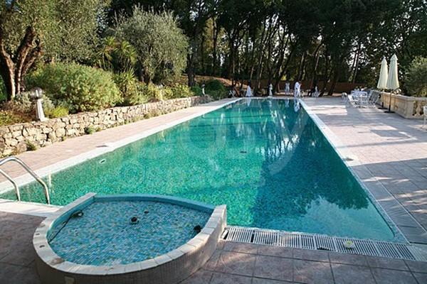 Location Villa Avec Piscine Pres De Cannes Et Grasse Lieux Lieu A