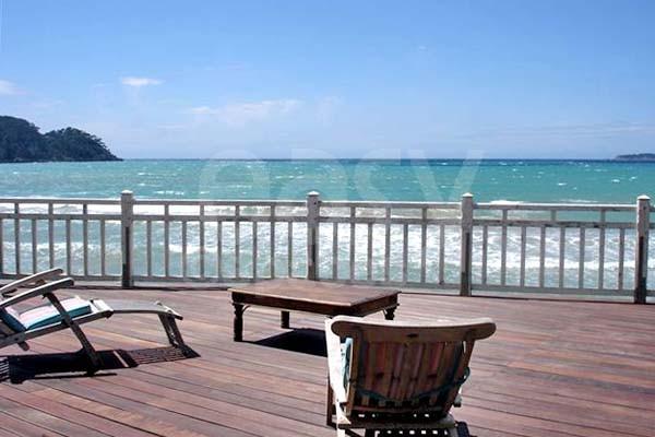 o louer une maison avec terrasse vue mer pour une. Black Bedroom Furniture Sets. Home Design Ideas