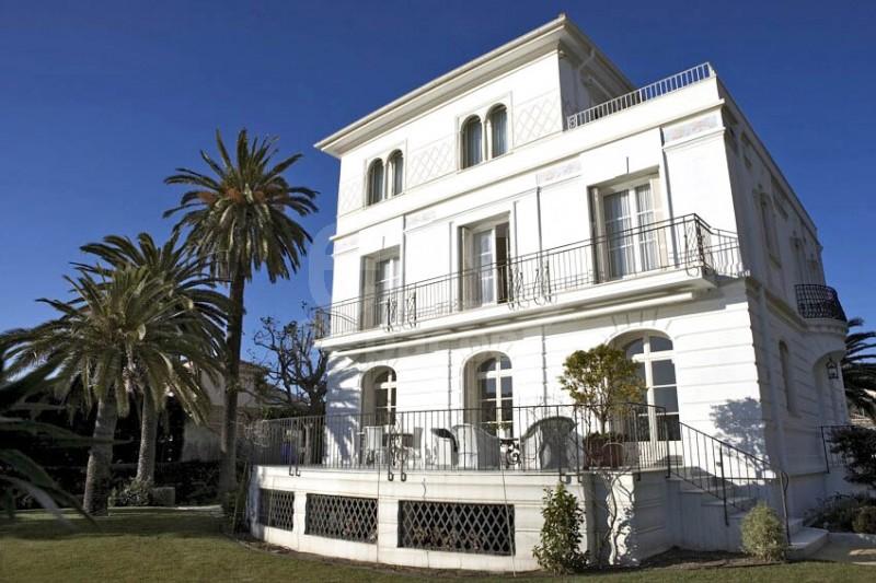 Location maison belle poque vue mer pour production photo for Antieke bouwmaterialen maison belle epoque