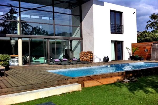 location villa moderne pour productions photos et tournages et v nements professionnels. Black Bedroom Furniture Sets. Home Design Ideas