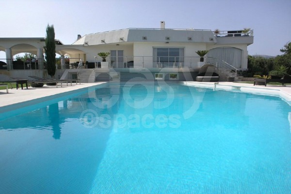 301 moved permanently for Location villa cote d azur piscine