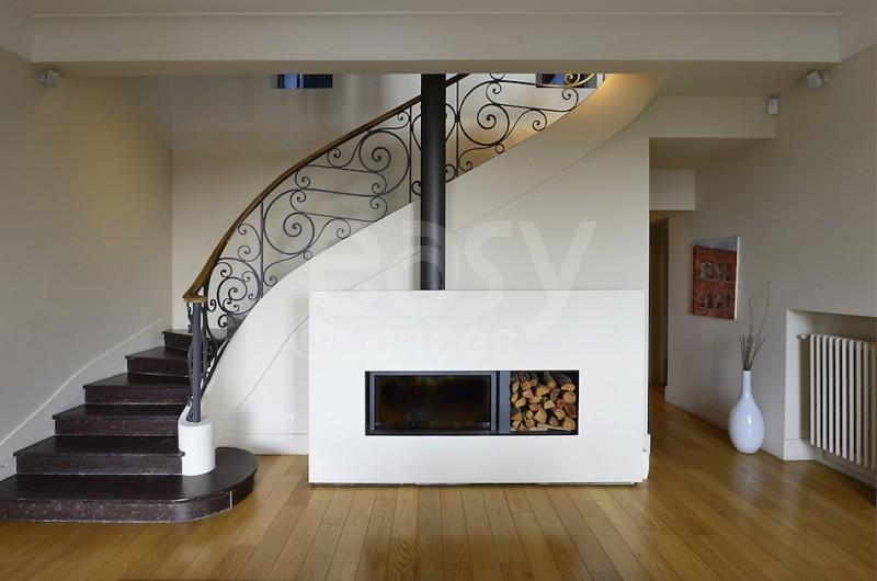 escalier pour villa. Black Bedroom Furniture Sets. Home Design Ideas