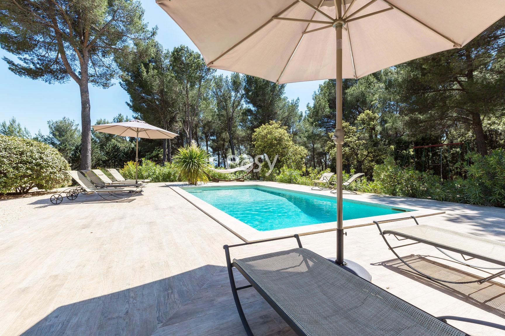 Louer une maison de charme avec piscine pour prises de for Location maison dans le sud avec piscine