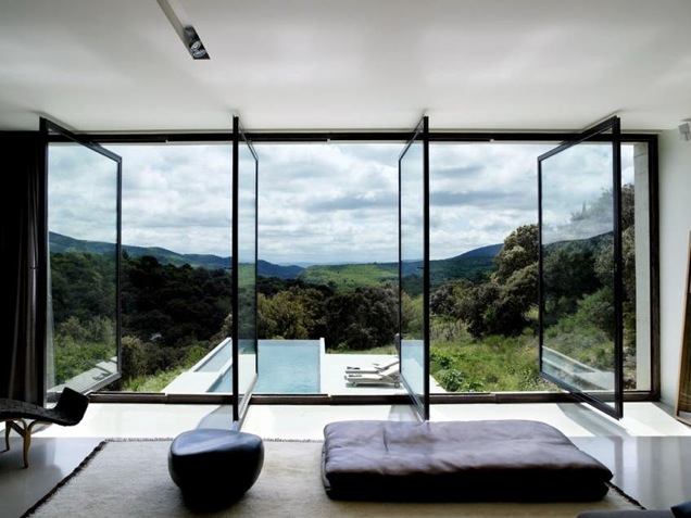 Où trouver une maison contemporaine dans le sud de la France pour un shooting photo?