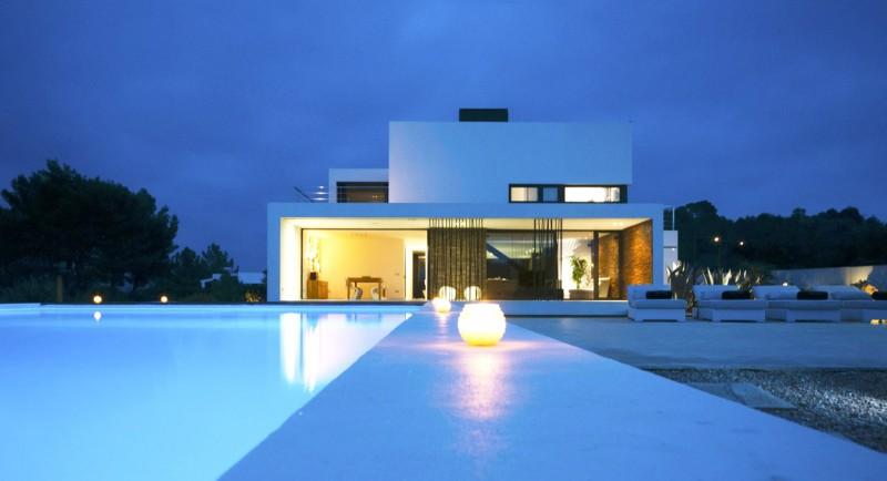 Louer une villa contemporaine pour un shooting à Ibiza