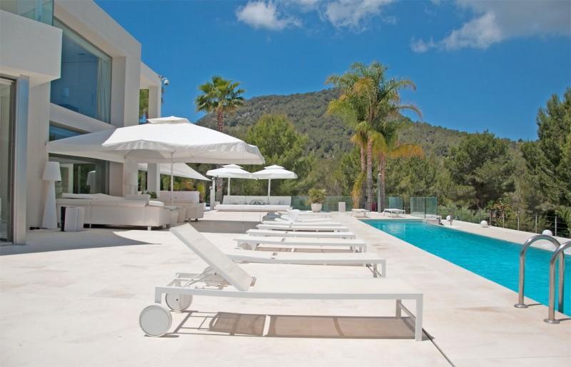 Louer une villa contemporaine avec piscine pour photos tournages ou v nements pro ibiza lieux for Villa avec piscine a louer dans le sud