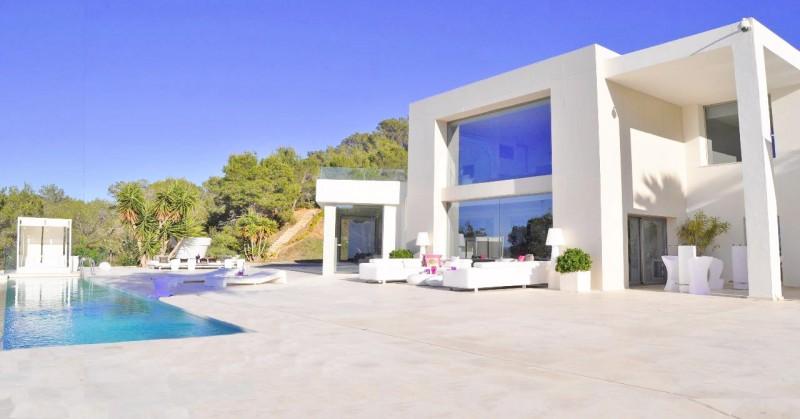 Qui connaît une agence de repérage de lieux sur Ibiza?