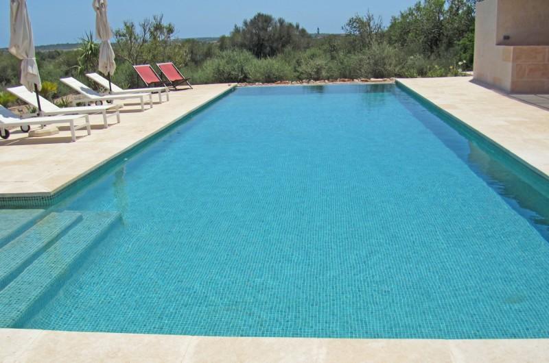 maison contemporaine avec piscine majorque