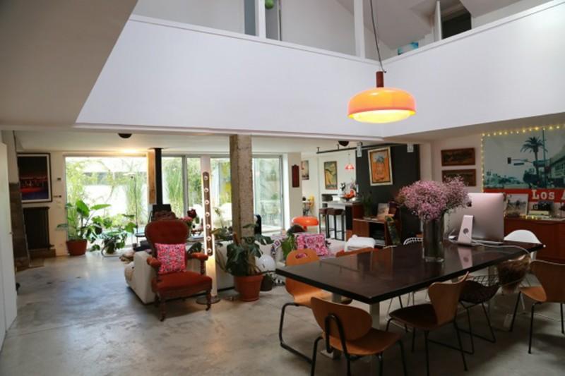 maison moderne à la décoration vintage pour prises de vues