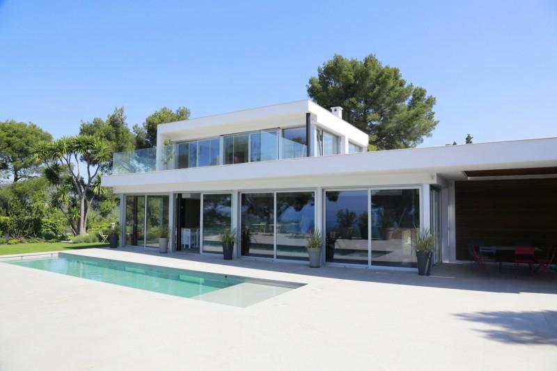 Louer une villa contemporaine pour un shooting photo dans le sud de la France
