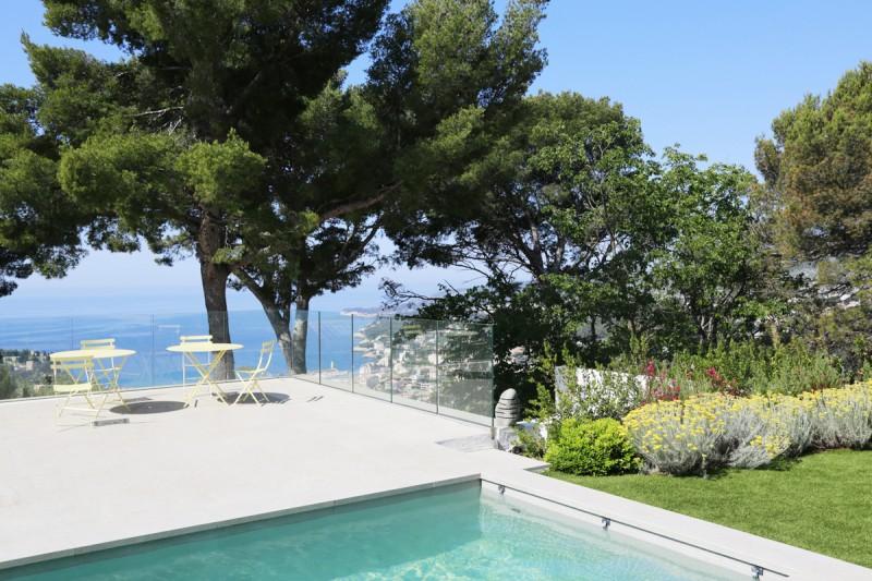 maison contemporaine avec vue mer pour prises de vues