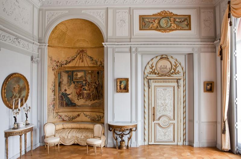 salon louis XVI , à louer pour tournages shooting nice 06